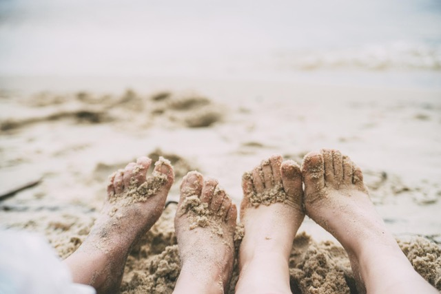 https://ahuntsicenfugue.ca/2019/wp-content/uploads/2021/07/19-août-pieds-dans-le-sable-gratuit-photo.jpeg